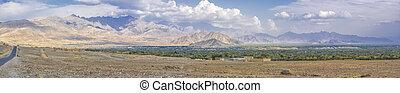 afghanistan, paesaggio arido