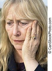 afligido, woman., más viejo
