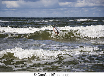 afogamento, seu, ajuda, levantado, arms., pedir, mar, homem
