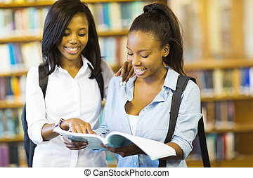 africaine, collège, filles, lecture livre