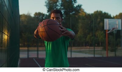 africaine, dehors, joueur boule, basket-ball, tenue