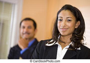 african-american, 女性実業家, 協力者, 若い, 確信した, ヒスパニック, 背景, マレ, 中年