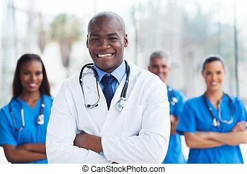 african american, 醫學的醫生, 由于, 同事, 在, 背景