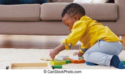 african american, csecsemő fiú, játék, noha, apró gátol