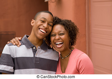 African-American single-parent family - Happy Single-parent...