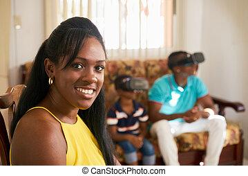 africano, americano,  câmera, mãe, Retrato, sorrindo