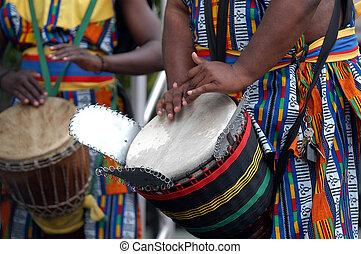 africano, baterista, 2