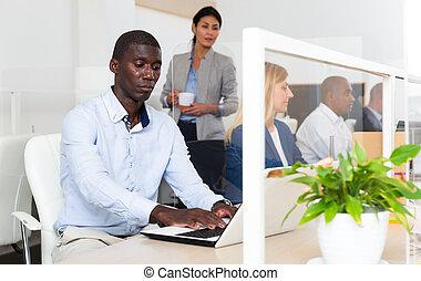 africano, direttore, positivo, maschio, ufficio, bianco