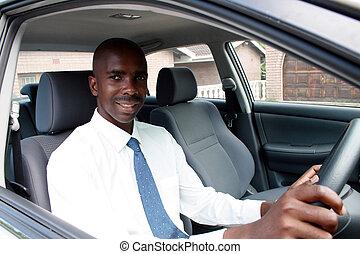africano, homem negócios, dirigindo