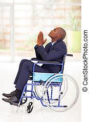 africano, homem negócios, incapacitado