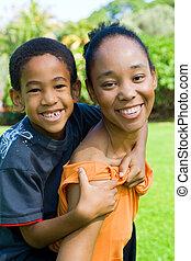 africano, madre e hijo