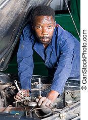 africano, mecánico auto
