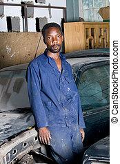 africano, mecánico, en, garaje