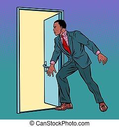 africano, puerta, abre, hombre