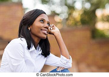africano, studente università, daydreaming