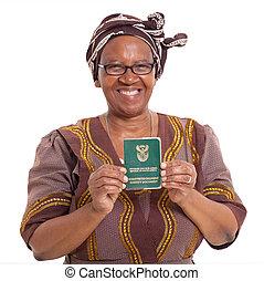 africano sul, mulher sênior, com, id, livro