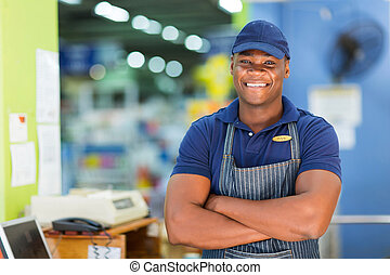 afrikaan, supermarkt, kassier, staand, op, kassa