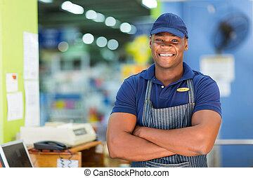 afrikanisch, supermarkt, kassierer, stehende , an, kasse