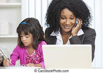 afrikanische amerikanische frau, geschäftsfrau, mobilfunk,...