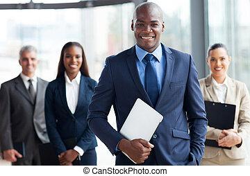 afrikansk, affärsman, med, grupp, av, businesspeople
