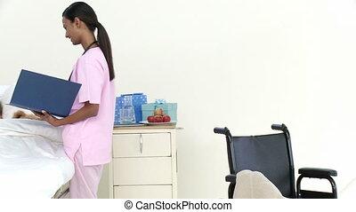 afro-américain, patient, panorama, peu, conversation, infirmière