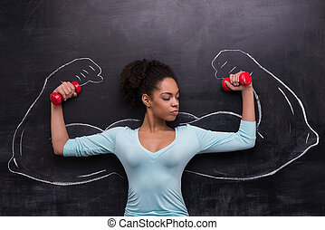 afro-amerikanka, dumbbells, barwiony, herb, muskularny, kobieta, chalkboard