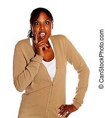 afro-amerikansk kvinna, skrika, ung