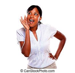 afro-amerikansk kvinna, skrika, vänskapsmatch, ung