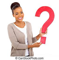 afro mulher americana, segurando, marca pergunta