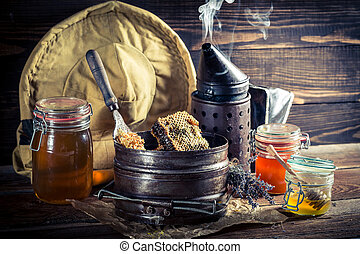 Age beekeeper working tools
