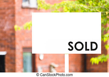 agente inmobiliario, casa, muestra vendida