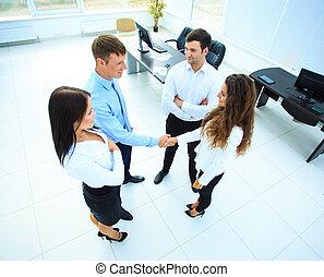 agitação, pessoas negócio, reunião, topo, bem-vindo, -, cima, acabamento, mãos, vista