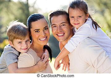 agréable, famille, ensemble, dehors