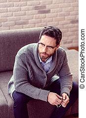 agréable, sofa, homme barbu, séance