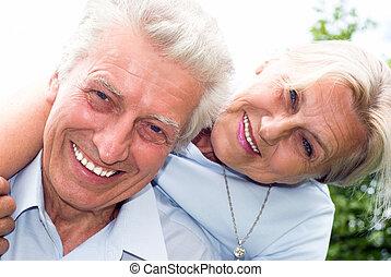 agradável, par ancião