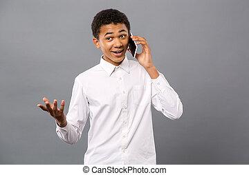 agradável, telefone, homem, jovem, falando