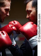 agressivo, competidores
