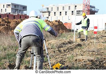 agrimensores, local construção, trabalhando