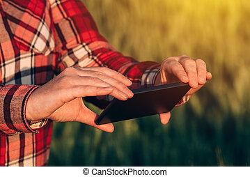 agronomist, mobile, app, téléphone, appareil photo, utilisation, intelligent