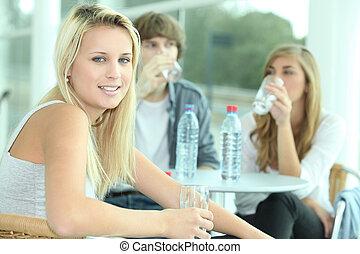agua, bebida, amigos, teniendo
