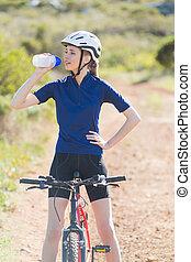 agua, bebida, bicicleta, mujer