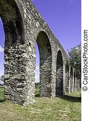 Agua de Prata Aqueduct (Aqueduct of Silver Water) in Evora