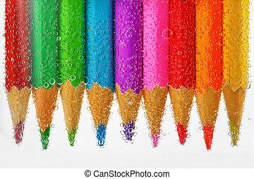 agua, lápices, coloreado, hundido