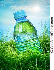 agua, pasto o césped, botella