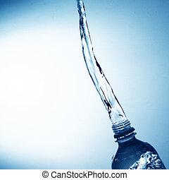 agua que vierte