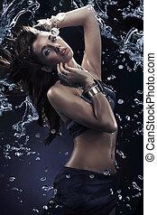 agua, salpicadura, joven, belleza, bailando