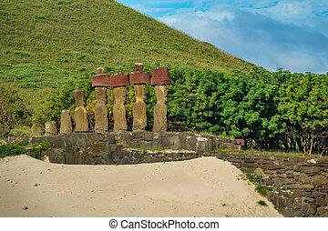 Ahu Nau Nau Moais looking to Rapa Nui - Ahu Nau Nau rear...