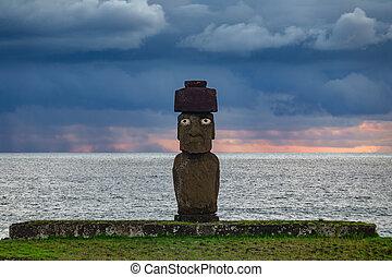 Ahu tahai moai with eyes in Rapa Nui at dusk - Ahu tahai...