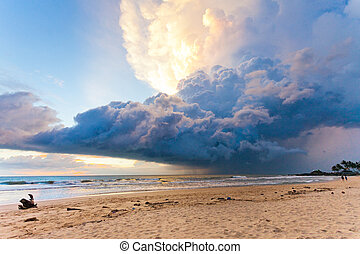ahungalla, sandstrand, sri lanka, -, wetter, phänomen, während, sonnenuntergang, strand, von, ahungalla