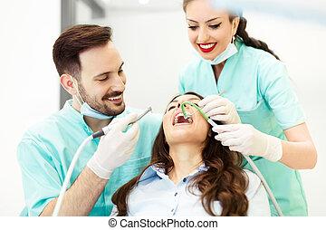 aide, dentiste, patient, fonctionnement